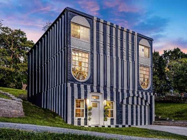 Shipping container home manufacturer Kanzas